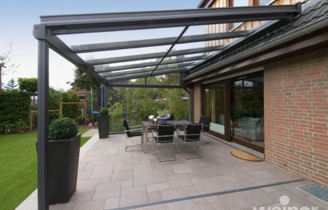 Glass rooms the ultimate contemporary living space from for Glass rooms conservatories