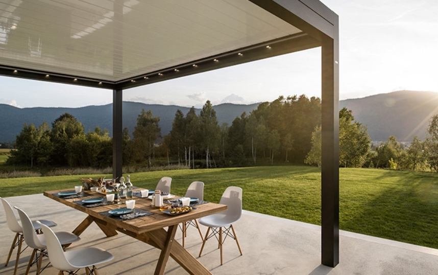 Louvered Roof Canopies Pergolas With A Remote Controlled Roof