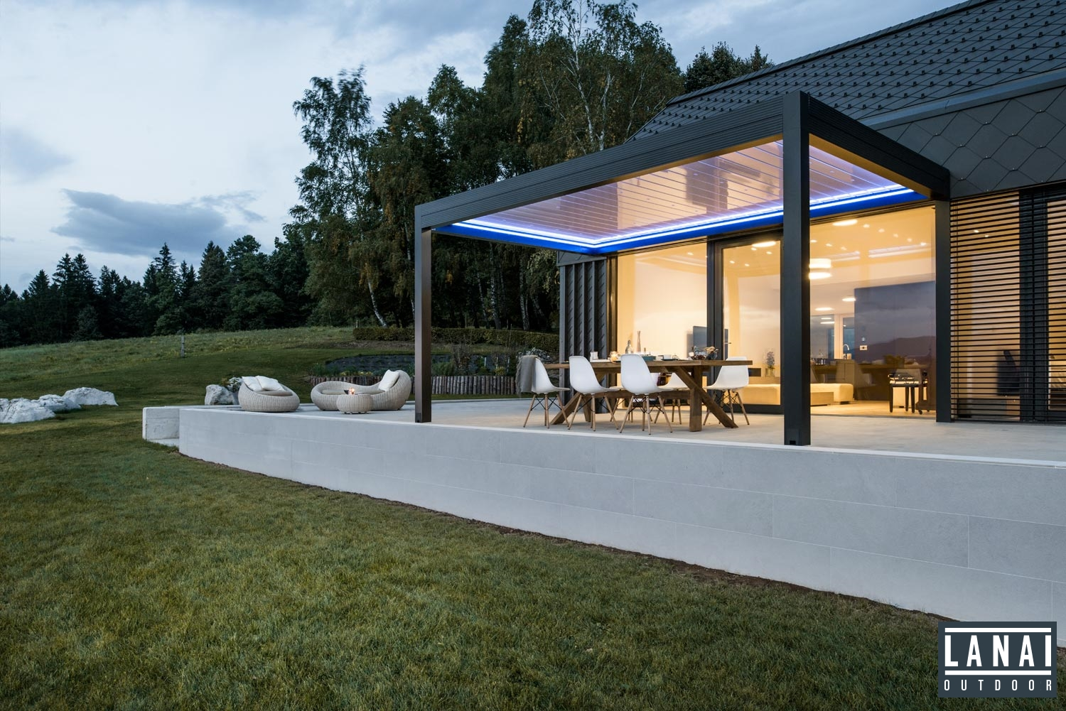 Louvered Roof Canopies Amp Pergolas With A Remote Controlled